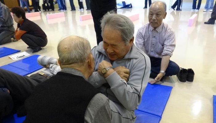 函館で「いきいきクラブ体操」考案者の武井正子先生をお迎えし講習会を開催しました